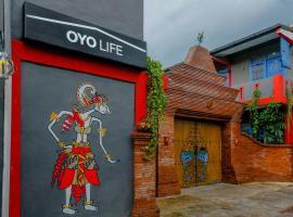 OYO Life 2615 Menik Jaya Margobawero, hotel di Madiun