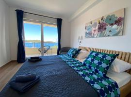 Apartment Sandra (2+2) with a breathtaking view 2, leilighet i Vis