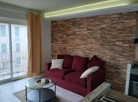 Studio Suquet balcony 1 min beach, 10 min Palais & Croisette Works completed on March 5, pet-friendly hotel in Cannes