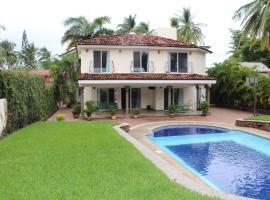 Your Holiday Home In The Golden Zone Of Buceras, hotel que admite mascotas en Bucerías
