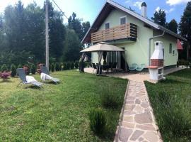 Holiday Home-kuća GORICA VERDE, room in Fužine