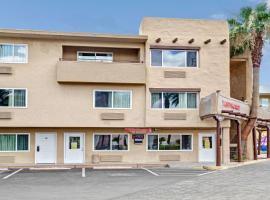Super 8 by Wyndham Las Vegas North Strip/Fremont St. Area, hotel v Las Vegas