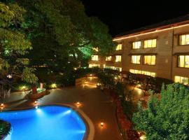 HOTEL SAKET PLAZA, hotel in Mahabaleshwar