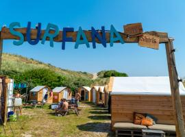 Surfana Beach camping hostel Bed & Breakfast Vlieland, beach hotel in Vlieland