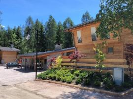 I Larici Camping Lodge, glamping site in Ossana