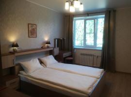 "Апартаменты ""at Home"" в центре города, apartment in Tikhvin"