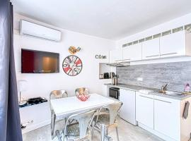 Cosy Flat near Croisette by GuestReady, budget hotel in Cannes