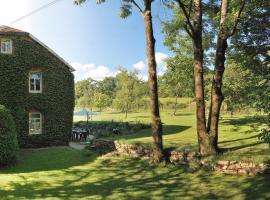 Ruhiges, gemütliches Ferienhaus mit großem Garten, family hotel in Waimes