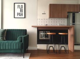 Pizzolo's: 2 quartos, completo e reformado, apartamento em Florianópolis