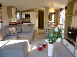 Cosy Kipp, luxury static caravan in Kippford, hotel in Dalbeattie