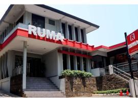 RUMA Dago, guest house in Bandung