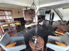 Dieng Plateau Guest House, hotel in Dieng