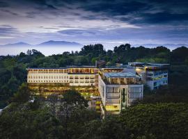 Padma Hotel Bandung, hotel with jacuzzis in Bandung