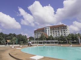 Arawan Riverside Hotel, hotel in Pakse