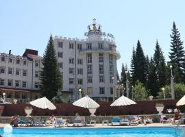 Корона Алтая, hotel with pools in Katun
