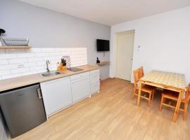 Apartmans Nensi, Novalja, pet-friendly hotel in Novalja