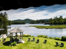 Wildwood on the Lake, hotel with pools in Lake Placid
