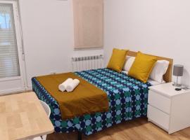 M-A Rooms Star Hostal, hotel en Madrid