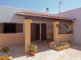 Can Moya, pet-friendly hotel in San Ferrán de ses Roques