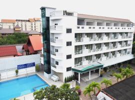 Puangpen Villa Hotel, hotel near The East Square Hua Hin, Hua Hin