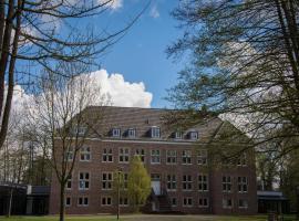 Wasserburg Rindern, hotel near Wunderland Kalkar, Kleve