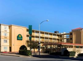 La Quinta Inn by Wyndham Austin Capitol / Downtown, hotel Austinban
