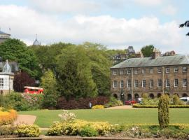 No 6 The Square Tearooms & Accommodation, hotel in Buxton