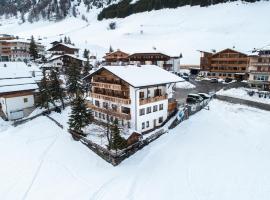 Garnì Bel Air, hotel in Colfosco