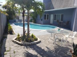 Cozy Unit Near Downtown w/Private pool, apartment in Fort Lauderdale