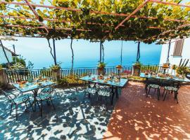 Roccia Fiorita, hotel in zona Cantine Marisa Cuomo, Furore