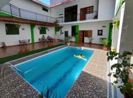 Iguana Haus, hotel with pools in Iquitos