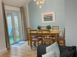 Superb 2 beds 2 baths New Apartment w/ Garden+Patio, accessible hotel in Bournemouth
