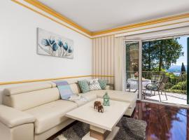 Apartment All for you - with a swimming pool, pet-friendly hotel in Opatija