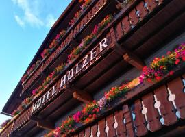 Hotel Holzer, hotel in Sesto