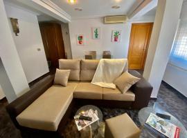 Luminoso y amplio apartamento Zapillo-Almería a 1 minuto de la playa a pie, apartment in Almería