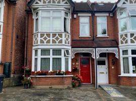 38 Whitehall Road, hotel near Harrow-on-the-Hill, Harrow on the Hill
