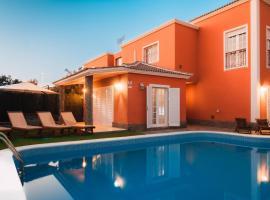 Villa Chloe Costa Adeje Tenerifesummervillas, hotel near Gran Sur Shopping Centre, Adeje