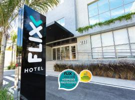 Flix Hotel, hotel near Pajuçara's Natural Waters, Maceió