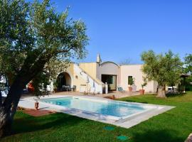 Luxury Country house - Trulli e Lamie, country house in Martina Franca