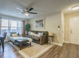 Clearwater Luxury Apartment, hotel near Moccasin Lake Nature Park, Clearwater