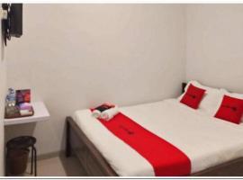 RedDoorz @ MERR Rungkut Jl. Gunung Anyar, hotel near Juanda International Airport - SUB,