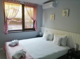 La Piazza Hotel, hotel in Shumen