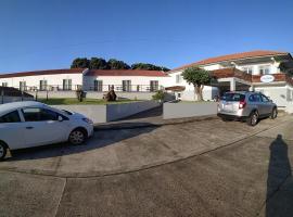 Hotel Comodoro, hotel em Corvo