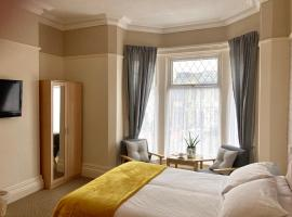 Copplehouse Bed and Breakfast, hotel near Wayfarers Shopping Arcade, Southport