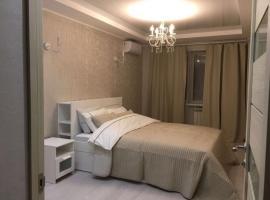 Апартаменты 2 комнатные на набережной реки Волга, Ferienwohnung in Samara