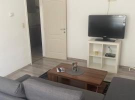 Magnifique Appart pour 4 personnes complètement reno, apartment in Charleroi