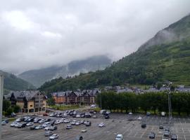 HOTEL DELAVALL, hotel in Vielha