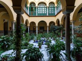 Apartamento tranquilo y con encanto en Palacio Sevillano, junto Catedral A Acond y WIFI、セビリアのアパートメント