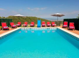 Villa Can Cosme - 2 casas, hotel cerca de Sant Llorenç del Munt i l'Obac, Rocafort