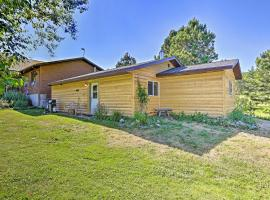 Cozy Black Hills Cabin by Hiking and ATV Trails!, vacation rental in Rapid City